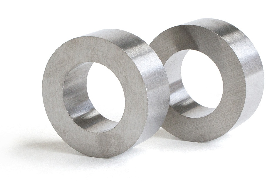 Alnico magnets two rings